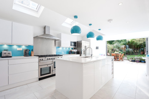 10 Tips For Planning A Galley Kitchen #whitegalleykitchens 10 Tips For Planning A Galley Kitchen #whitegalleykitchens