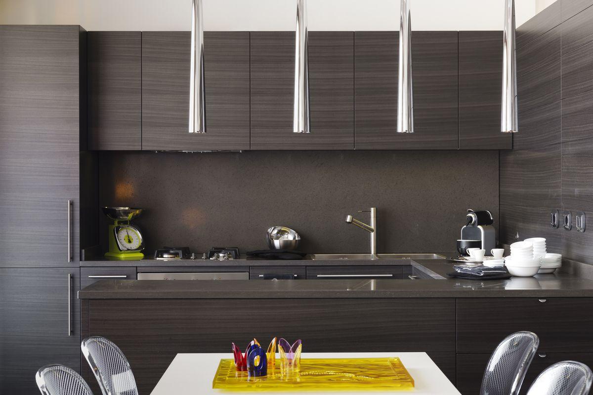 Greeploze donkerbruine keuken | keukenideeen | Pinterest