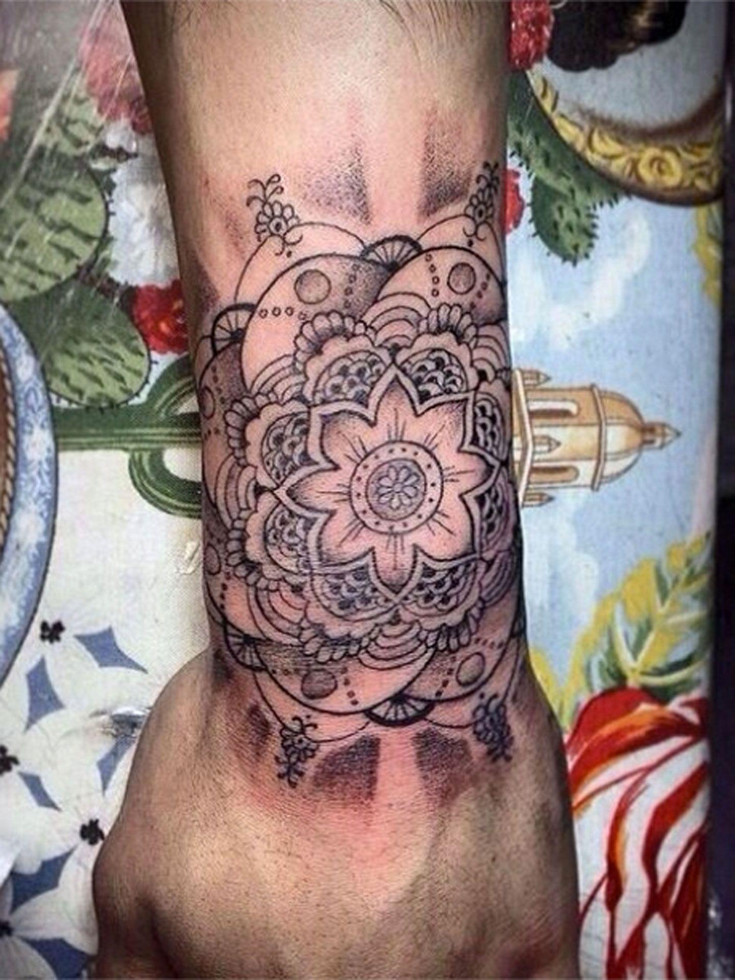 Im Getting Major Deja Vu Thanks To Travis Scotts Newest Tattoo