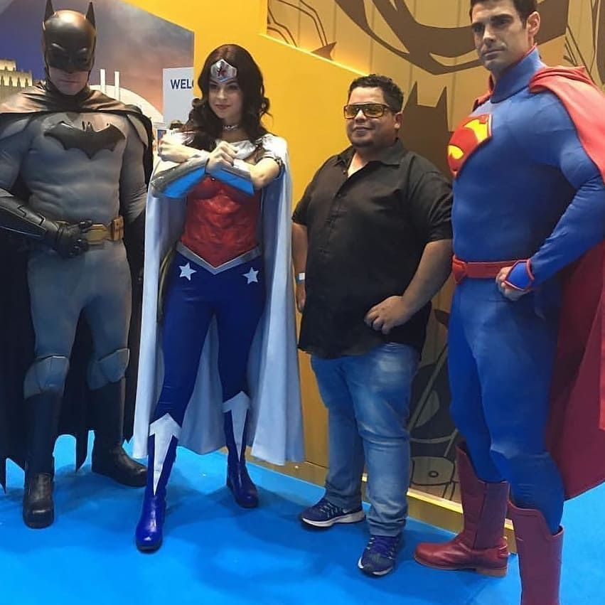 في دبي في معرض Comicondubai معرض دبي كوميك كون دبي سوبرمان باتمان وندرومن Wanderwoman Super Fictional Characters Character John