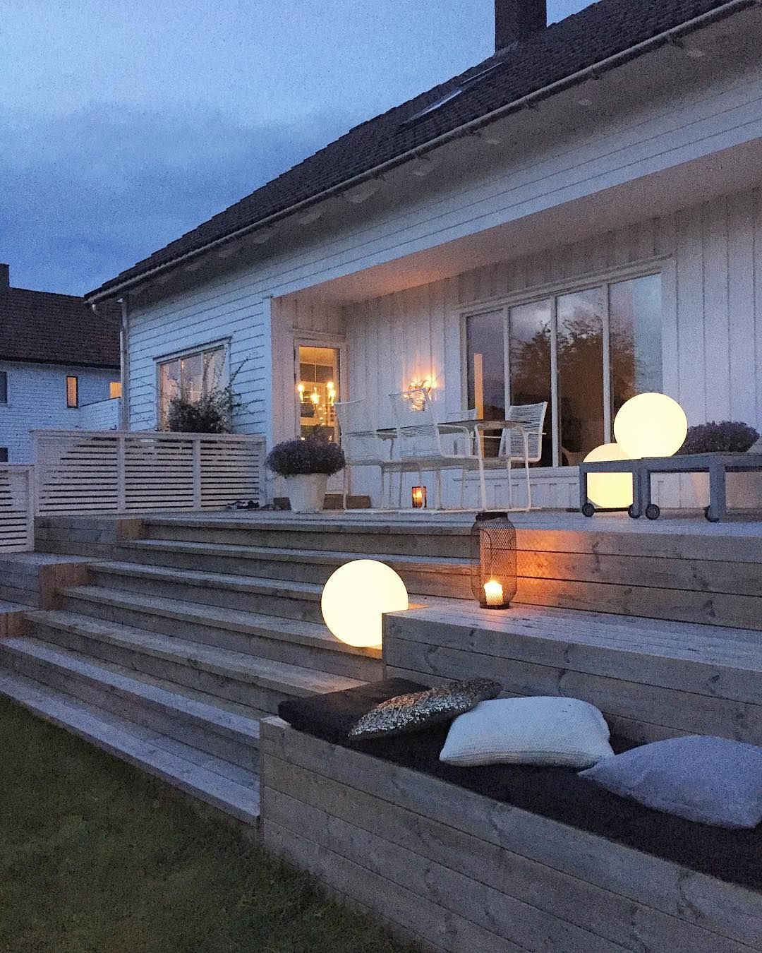 Koselig både inne og ute nå som kveldene begynner å bli ... on Bade Outdoor Living id=97768
