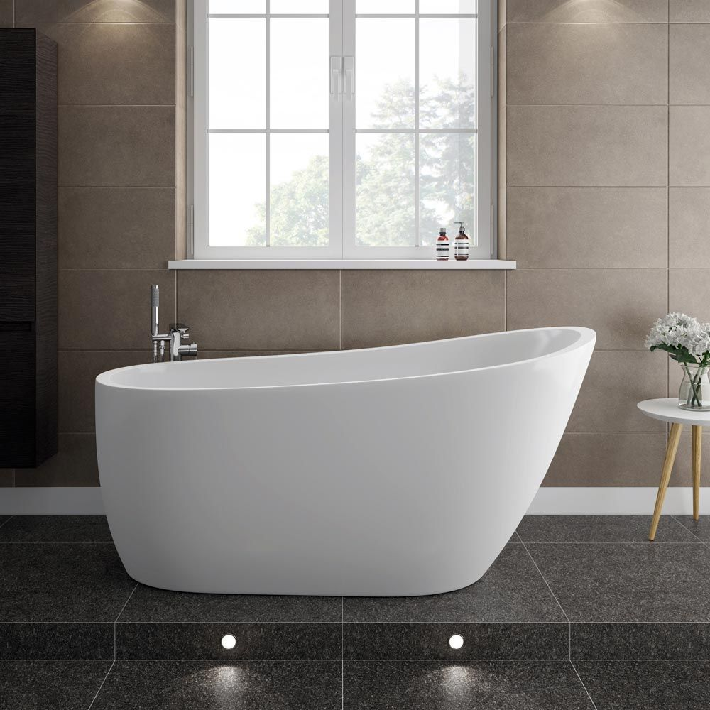 Charmant Our Beautifully Crafted Turin 1520 Modern Slipper Free Standing Bath Is  Ideal For Contemporary Bathroom Settings