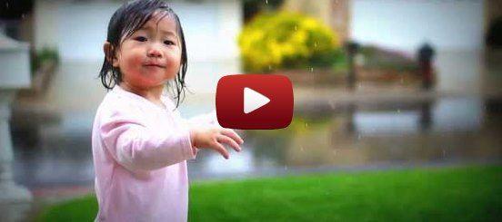 Incrível reação de uma menina ao ver a chuva pela primeira vez. Uma menina chamada Kayden, de apenas 15 meses, viu e sentiu a chuva pela primeira vez no passado mês de Dezembro... #motivation #motivacao #lindo