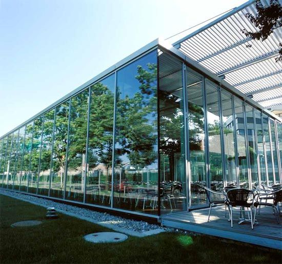 Modern Cafe Exterior With Green Garden | Cafe exterior