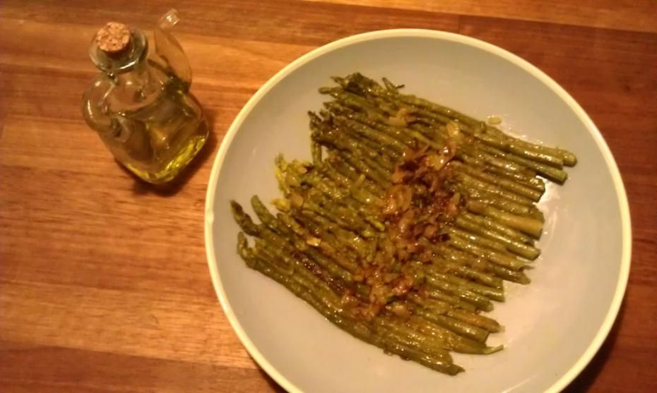 Green aspargus with saffron a spring recipe from the middle ages green aspargus with saffron a spring recipe from the middle ages in northern europe forumfinder Image collections