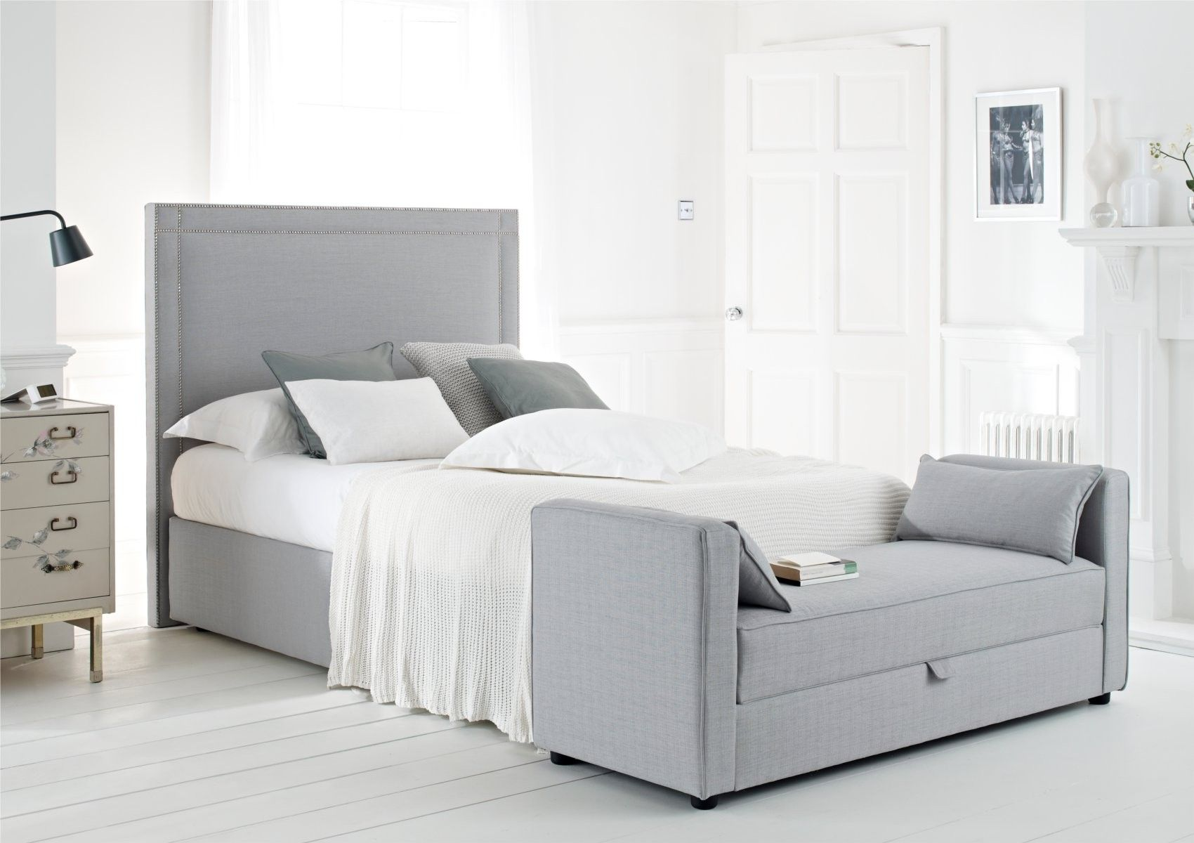 Statuette Of End Of Bed Benches Extra Storage And Beauty