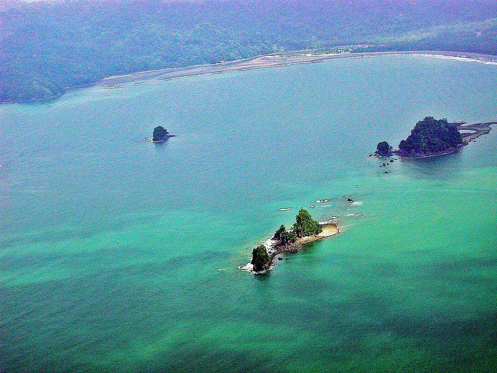 El oceano pacifico en nuqui colombia south america for Pacifico fish company