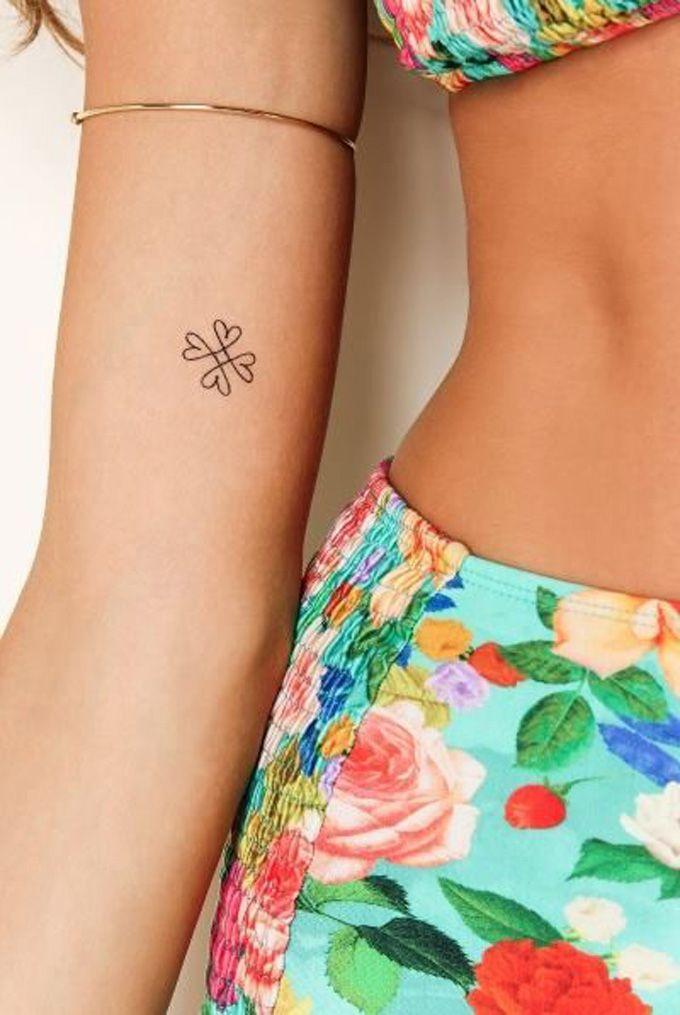 Trebol Tatuaje 30 tatuajes minimalistas para mujeres que vas a querer hacerte ahora