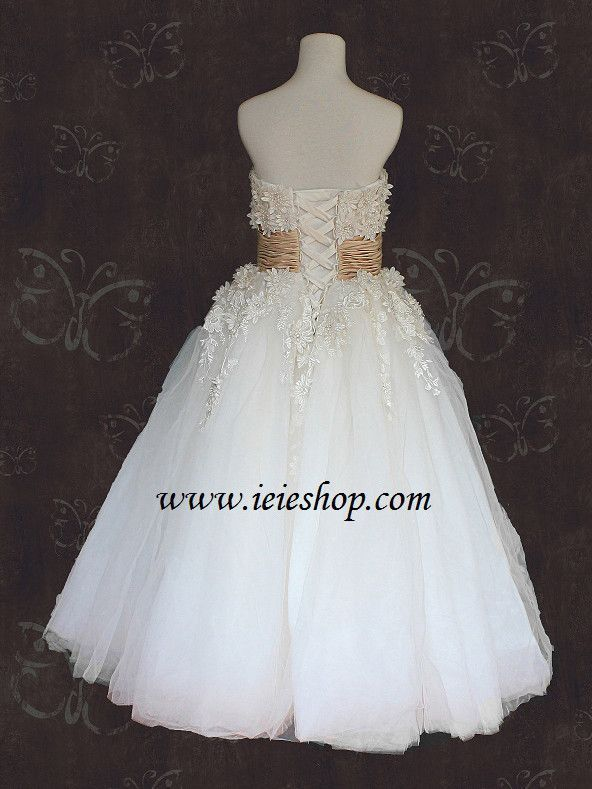 49059d61752c Vintage inspired 50s tea length wedding dress with ivory daisy floral lace  applique and ivory tulle skirt. Working Time: 8-10 weeks Rush Order please  ...