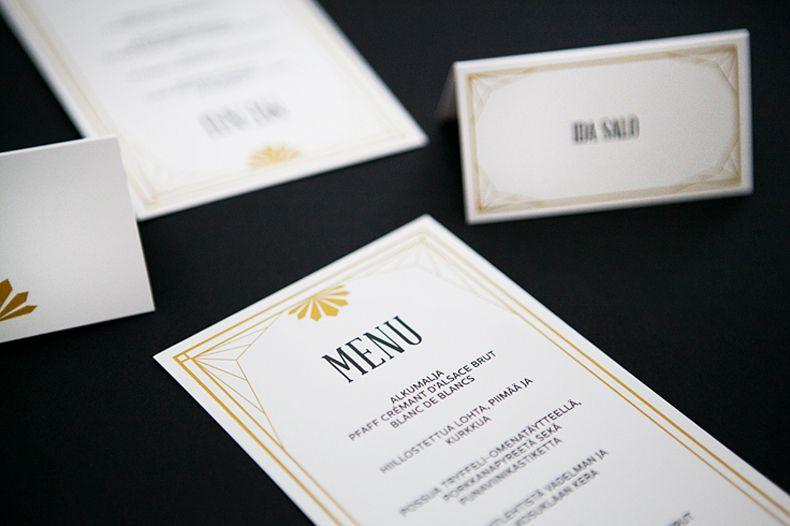 md great gatsby tyyliset häät hääkutsut menukortit paikkakortit musta kulta