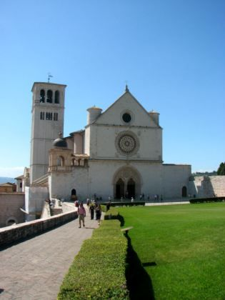 Basilica of Saint Frances - The Best of Italy by Train: A Two Week Itinerary - The Trusted Traveller