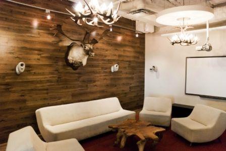 poser du plancher sur les murs - comment fixer un meuble au mur