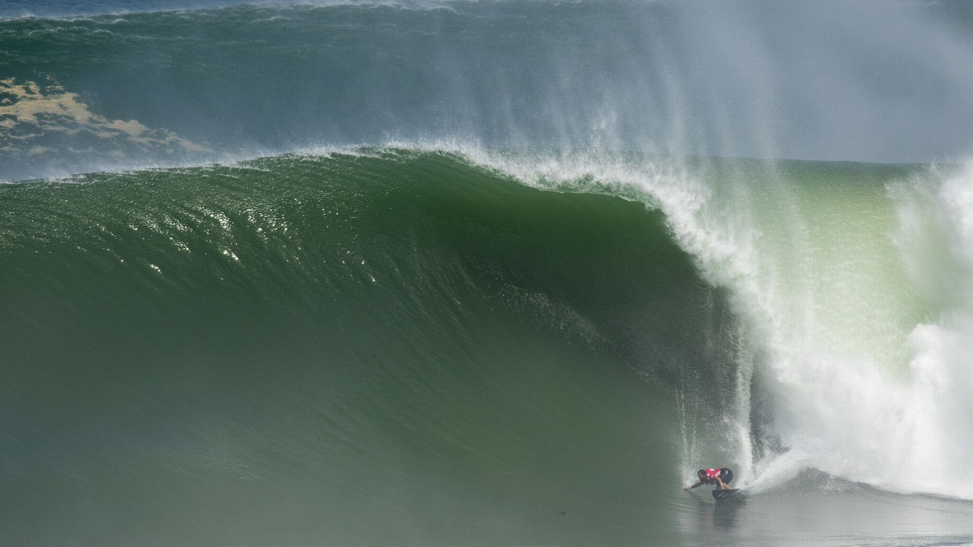 what is a huge wave called