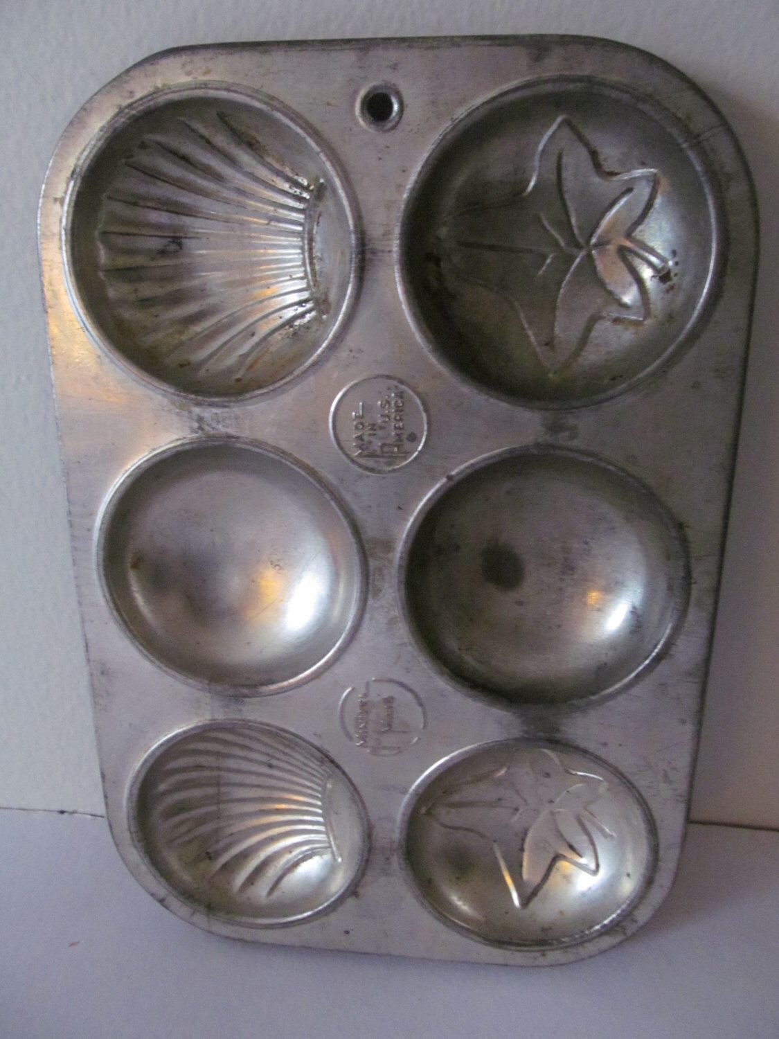 Vintage Minute Maid Madeleine Mold Made in US of America by Mumscottage on Etsy https://www.etsy.com/listing/209414700/vintage-minute-maid-madeleine-mold-made