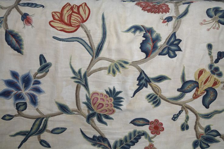 17th Century Bedroom | detail of the late seventeenth-century crewelwork bed cover in the ...