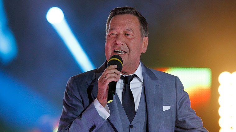 Roland Kaiser Beim Konzert Alle Lieben Kaiser Erleben Amazon Alexa Ifttt Alexa