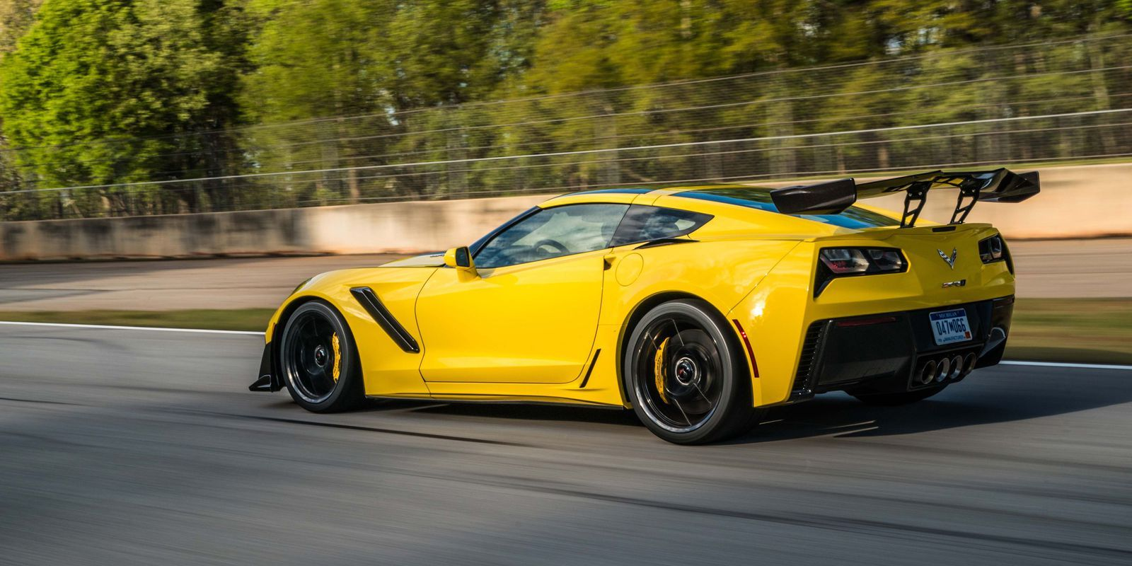 You Can Buy The Corvette Zr1 S Monster 755 Hp V8 On Its Own
