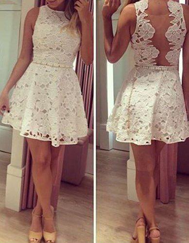 ed2591443c2 Très jolie robe blanche sur dailyrobes.fr Bon prix!!!