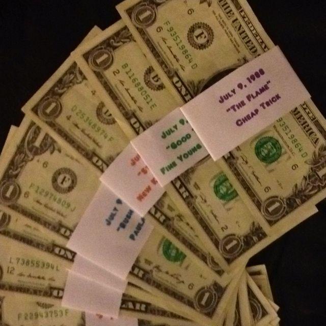 25 Best Ideas About Homemade Birthday Presents On: 25 One Dollar Bills W/ Sleeve Noting