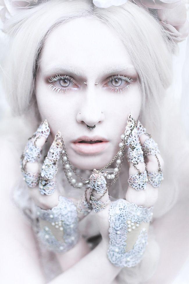 Elegant Portraits of Royalty by Laura Sheridan - beautiful.bizarre #photography #beauty #fantasy