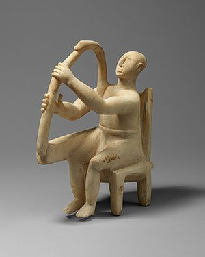 Statuette of a seated harp player [Cycladic; Grotta-Pelos culture] (47.100.1) | Heilbrunn Timeline of Art History | The Metropolitan Museum of Art