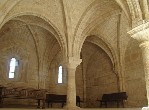 Sala capitular de la abadía de Santa María de la Espina, Valladolid, España © Nicolás Pérez