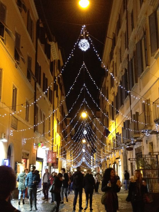 Its Beginning To Look A Lot Like Christmasin Rome