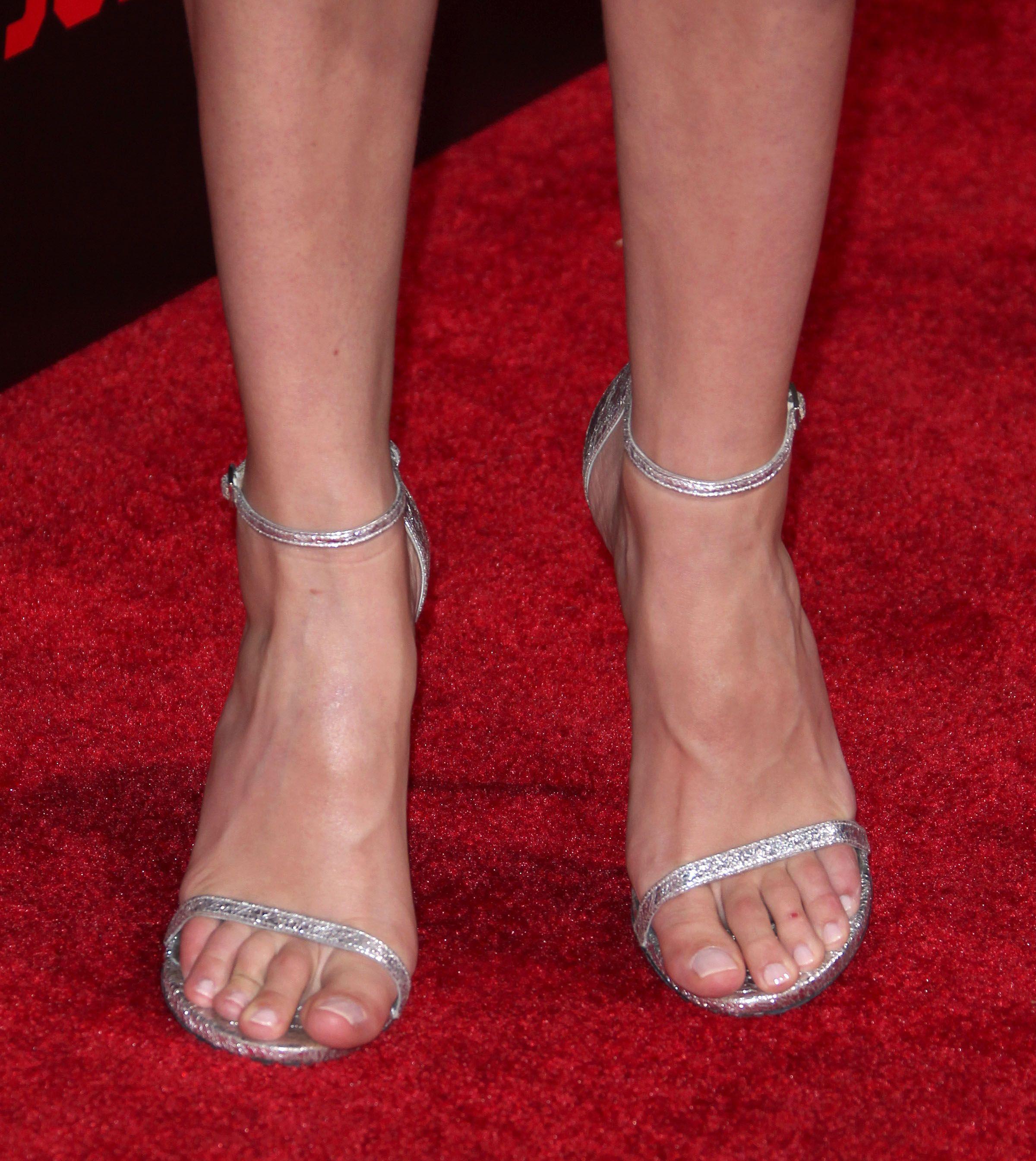 Picture Id 2457502 Gal Gadot Fashion Heels Chloe Grace Moretz
