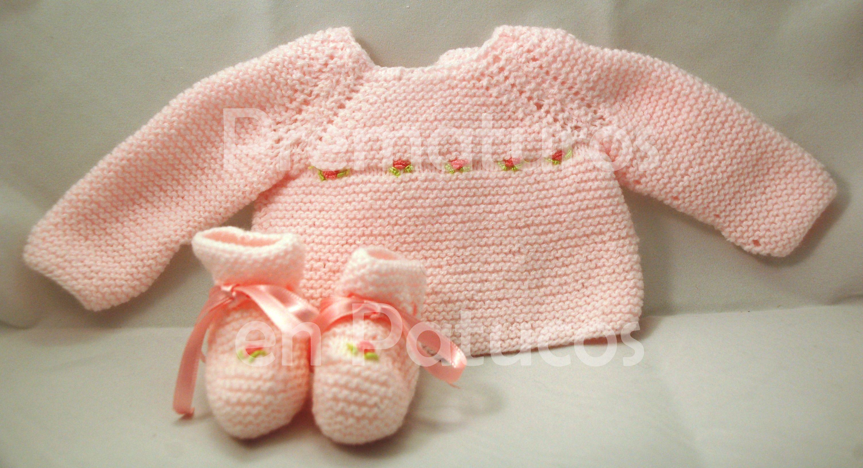 Conjunto de jersey y patucos tejidos a mano, para prematuros (entre 1.6 y 2.5kg) o para recién nacidos (entre 2.5 y 3.5Kg)