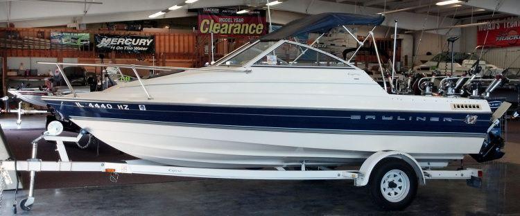 1997 - Bayliner Boats - 1952 Capri Classic Cuddy for Sale in