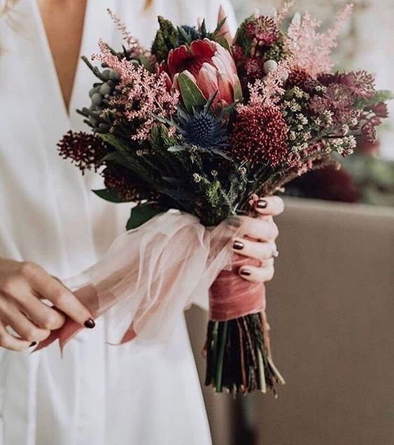 10 Stunning Autumn Wedding Bouquets You'll Adore