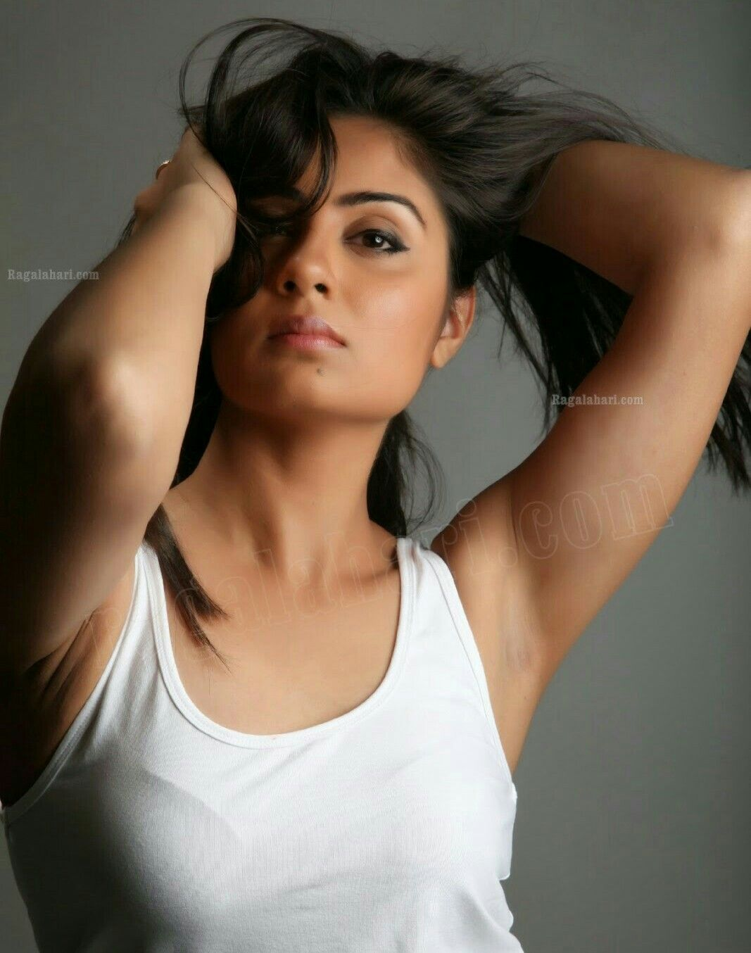 Bhanu Sree Showing Her Smoothie Armpits Underarm Actress Wallpaper Photo Navel