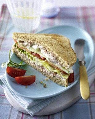 Vollkorn Sandwich mit Thunfischcreme