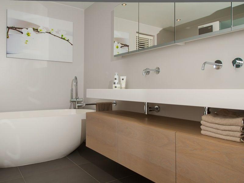 Luxe Badkamer Amsterdam : Luxe badkamers badkamershowroom de eerste kamer spa