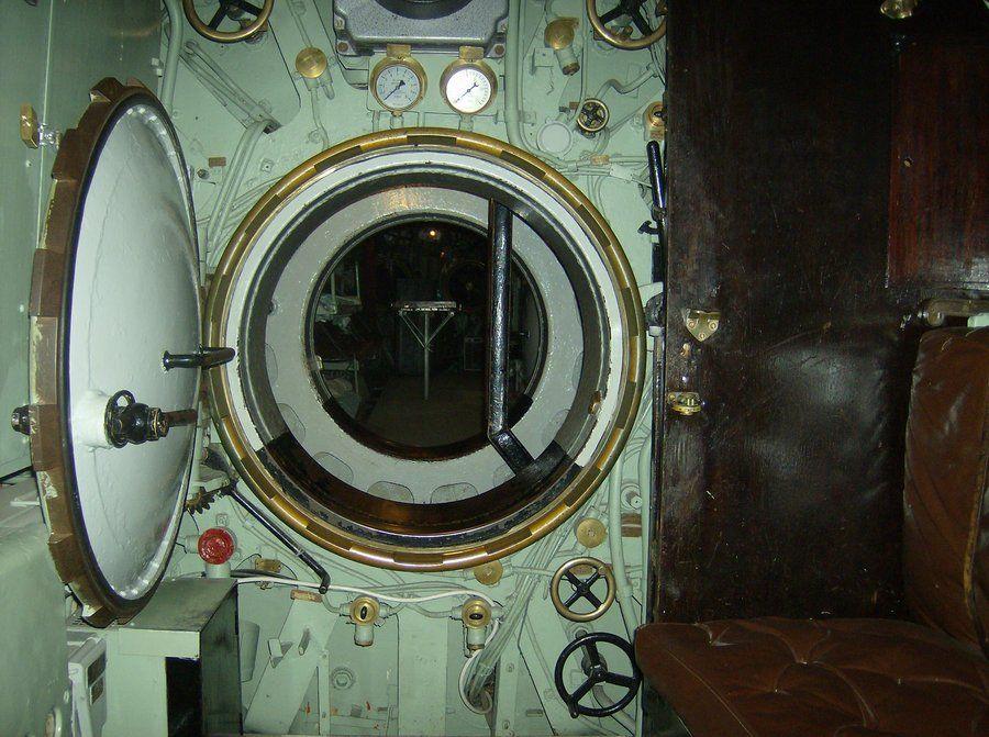 Submarine bedroom door by Mahiqun & Submarine bedroom door by Mahiqun | When is a door not a door ...