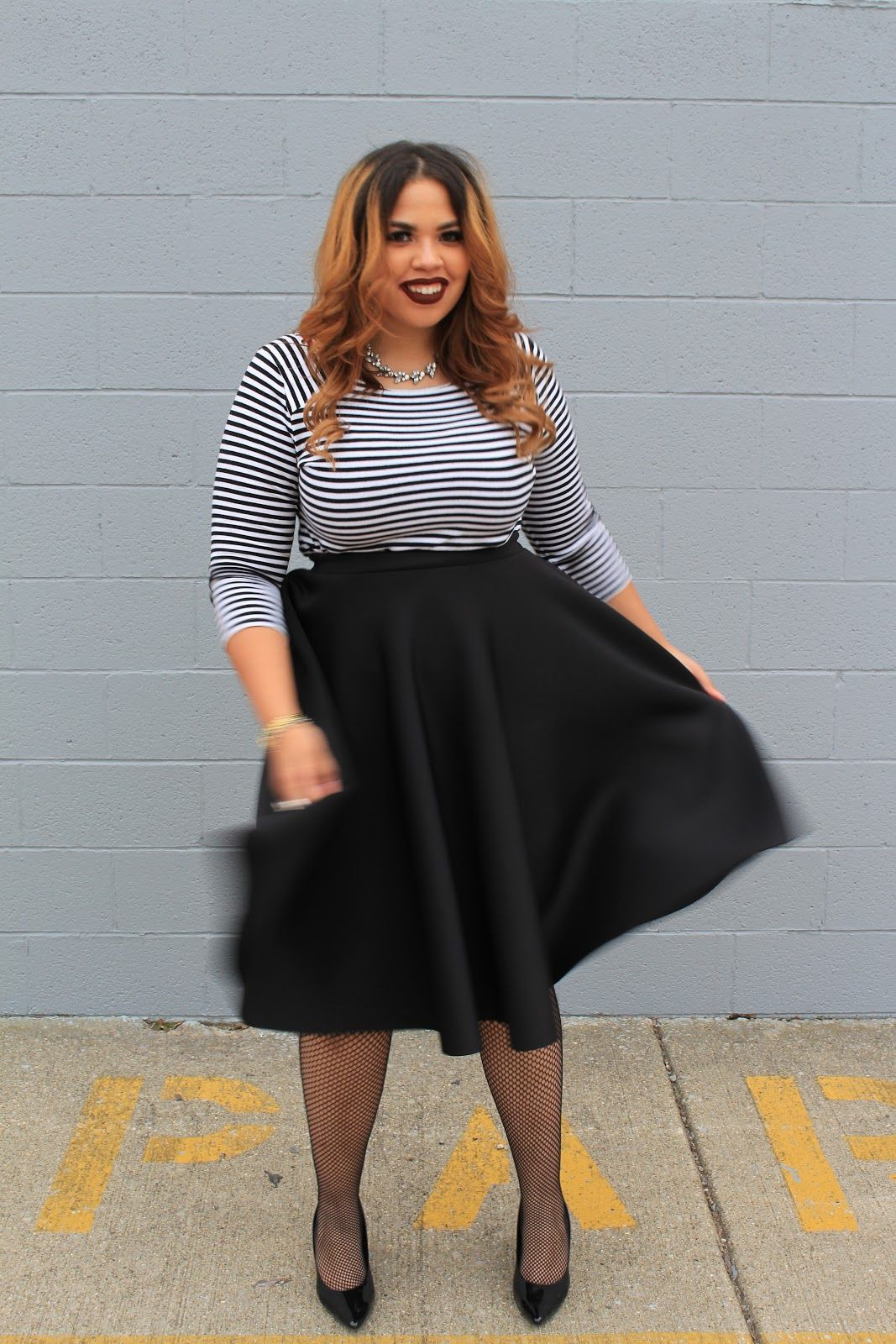 0741c946af1 Plus Size Fashion Blogger Telly Loves Fashion wearing Fashion To Figures  Circle Midi Skirt (Available in black
