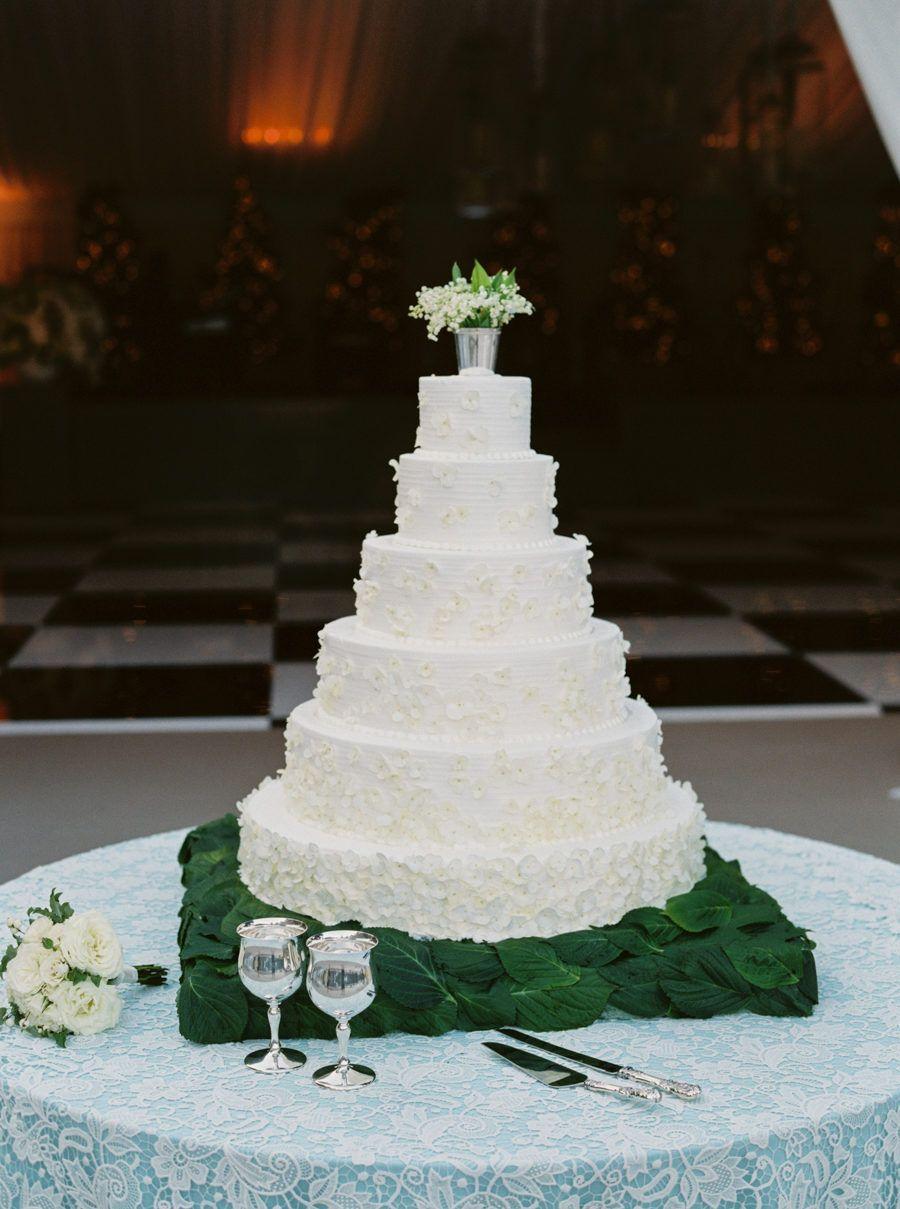 Classic Dallas Wedding with a Dream Oscar De La Renta Gown