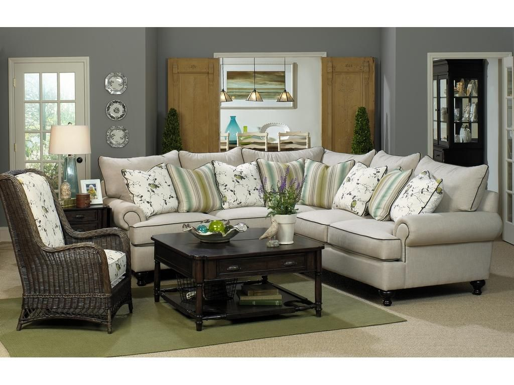 Sectionals In Living Rooms Paula Deen By Craftmaster Living Room Sectional P7117bd Sect