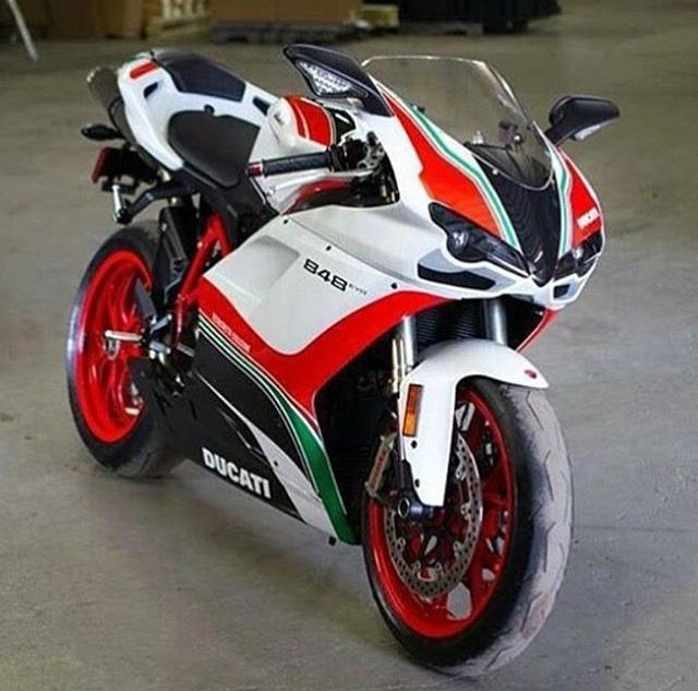 ducati 848 moto pinterest motos sportives moto et sportif. Black Bedroom Furniture Sets. Home Design Ideas