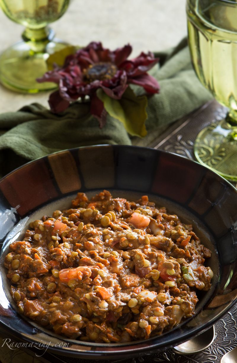 There Are A Lot Of Recipes For Raw Chili But Of Course With The Weather Changing I Though It Was Time For Me To Th Raw Food Recipes Raw Food Diet