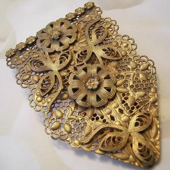 1920's Art Nouveau Large Ornate Intricate Design Gilt Dress / Fur Clip