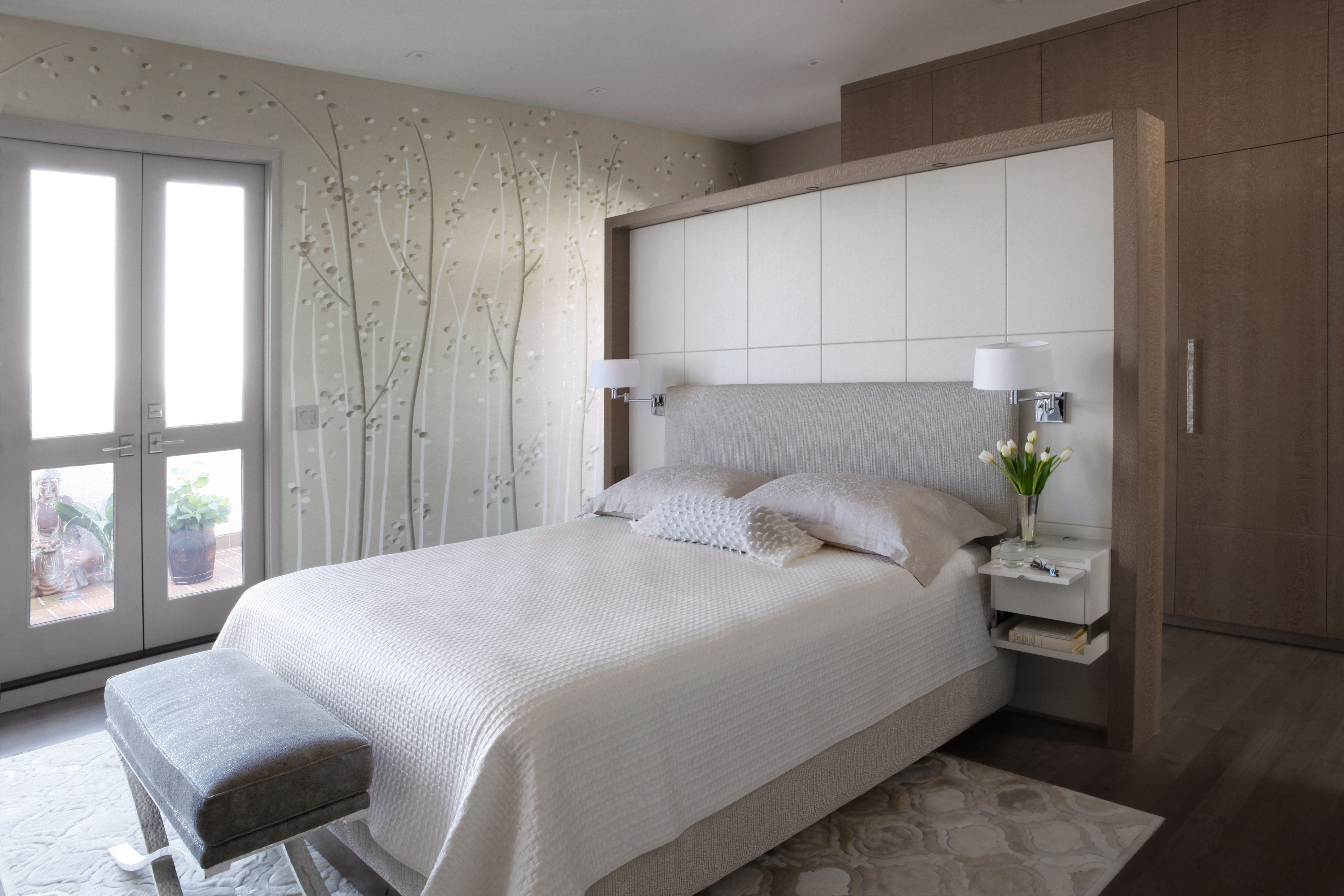Telegraph Terrace Condominium San Francisco Bed Floating In Middle Of Room Bed In Middle Of Room Bedroom Wall Designs Bedroom Design