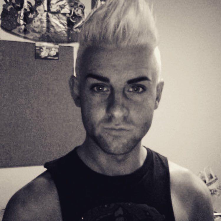 The only way is #Blonde #bleach #platinum #whiteblonde #peroxode #whitehair #throwback #uni