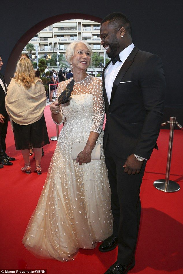 Helen Mirren 71 Gets Flirty With Unlikely New Pal 50 Cent 41