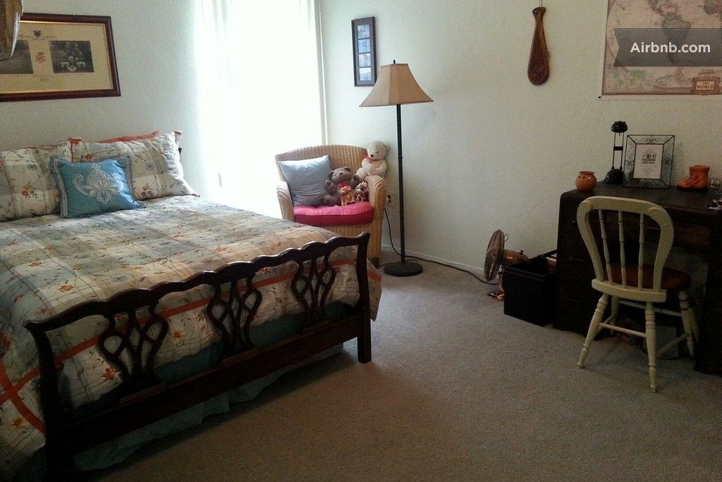 guest room in gainesville fl airbnb airbnb cleaning ideas guest room private room room. Black Bedroom Furniture Sets. Home Design Ideas