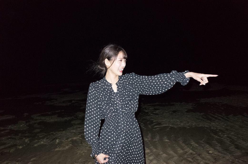 奄美大島にて みんなでご飯食べた後夜空を見に 星いっぱいだったし 流れ星3回くらい見れた 素敵なスタッフさんと楽しい幸せな撮影でした またご一緒したいな photo by motohiko hasui amami amamioshima su dresses wrap dress fashion