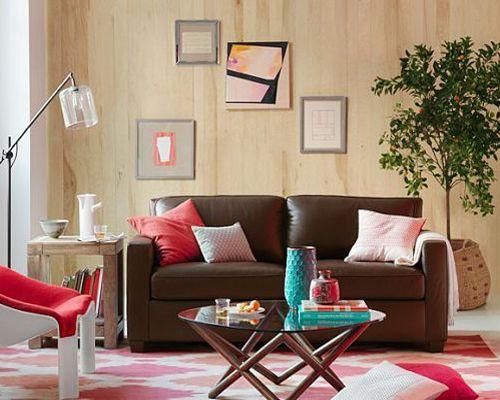 Sofa oscuro integrado en sala moderna deco living for Decoracion de living comedor integrados