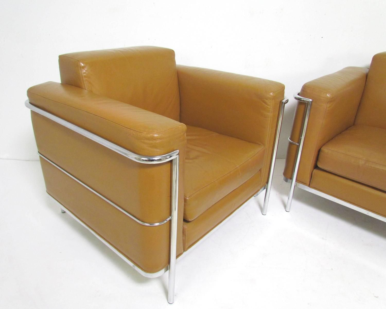 Incroyable Pair Of Leather Lounge Chairs By Jack Cartwright In Manner Of Le Corbusier 2