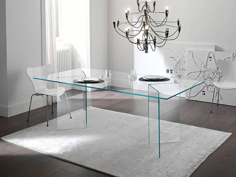 Decora con muebles de cristal transparente diy for Mesas de comedor cristal transparente