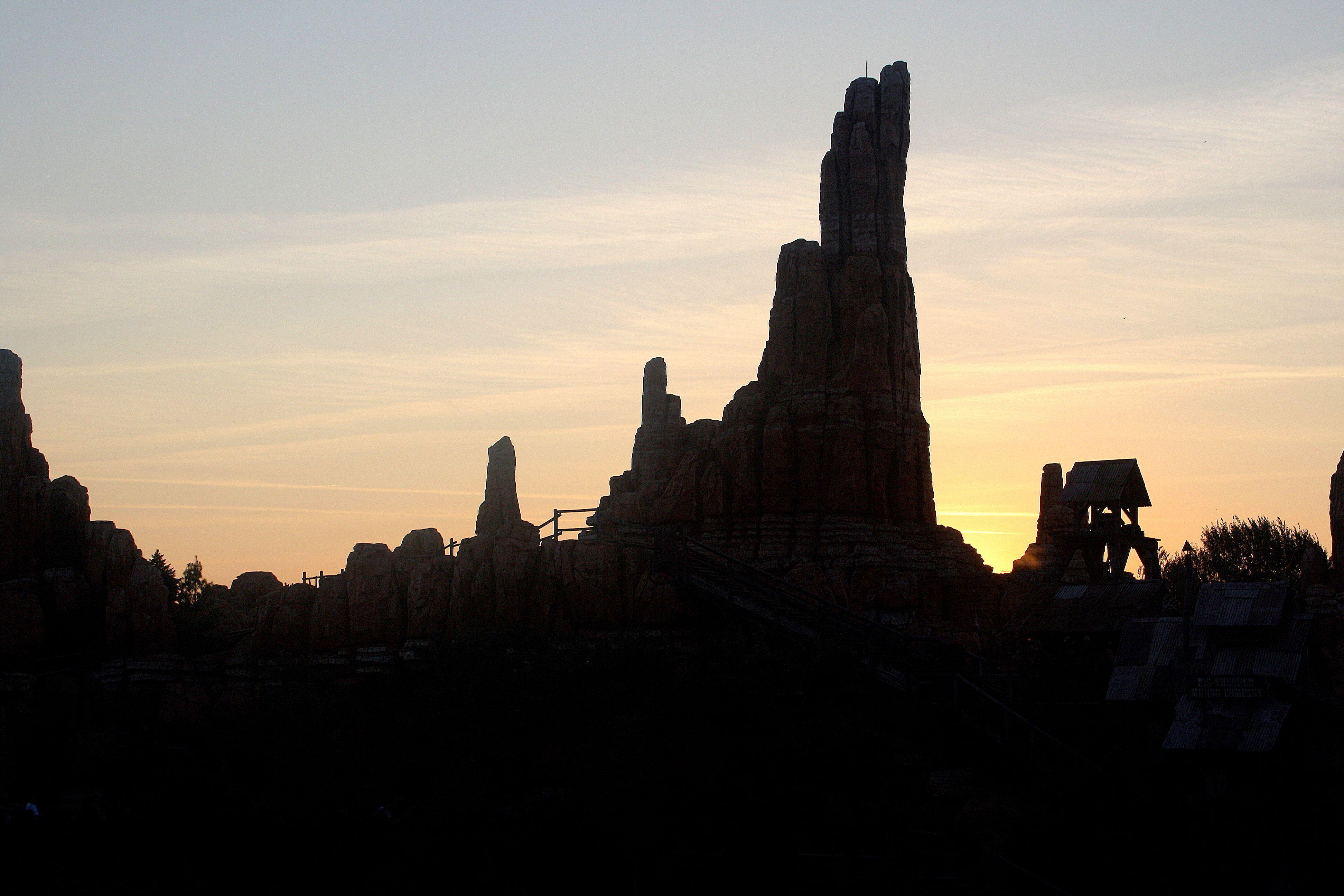 Silhouette of Big Thunder Mountain - LittleGlitter.org